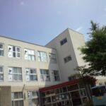 【ファーストラブ】ドラマロケ地はどこ?札幌の中学校で佐藤健の目撃情報!5月16日